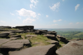 A summer's day at Stanage Edge